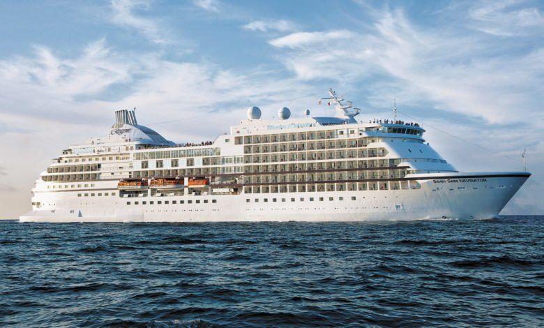150715101942 regent world cruise ship e1436980248619